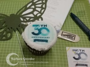 30th Anniversary Cupcakes OnStage